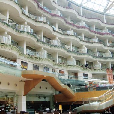 Atrium Railings Project At Sahara Star Hotel Mumbai